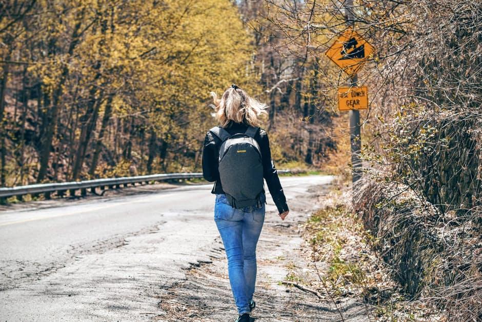 กระเป๋าสะพาย สุขภาพ อาการปวดหลัง เคล็ดลับสุขภาพ