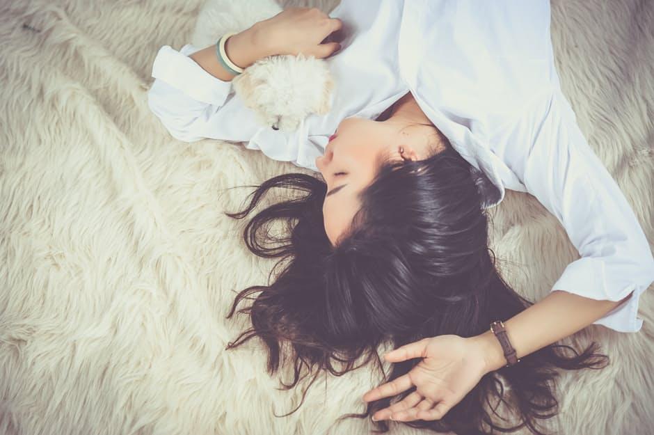 5 วิธีง่ายๆ เปลี่ยนคนนอนดึกให้กลายเป็นคนนอนเร็วขึ้น