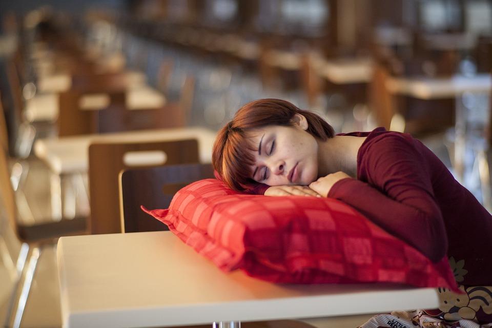 การนอนหลับ ข้อเสีย มากเกินไป