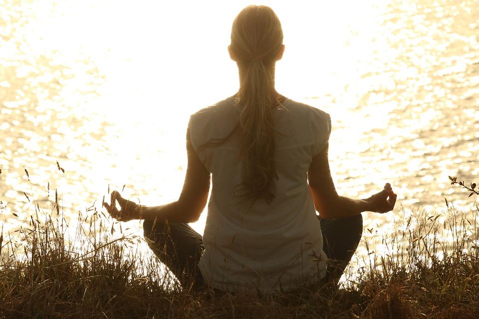 ผ่อนคลาย ฝึกสมาธิ สมาธิ สุขภาพจิต