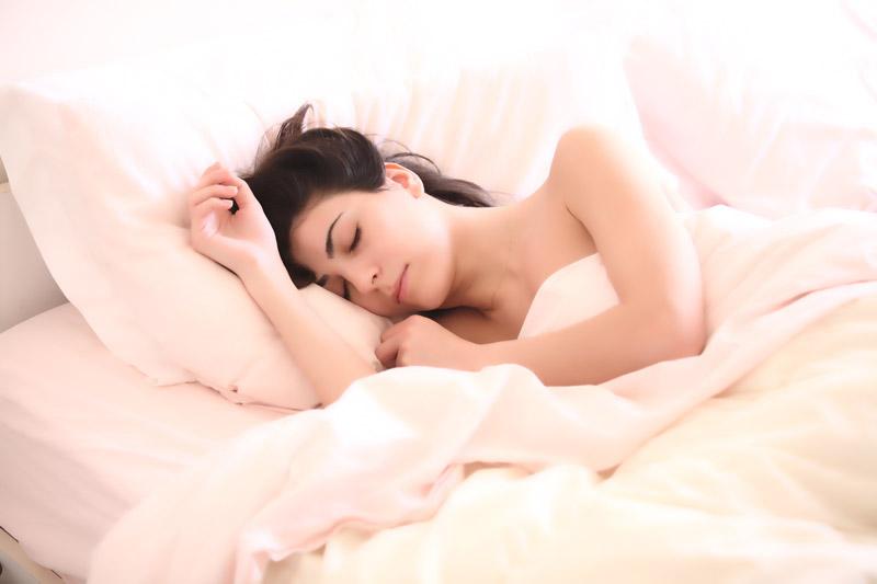 ข้อดีของการนอนเปลือย - นอนเปลือย มีดีมากกว่าที่คิด
