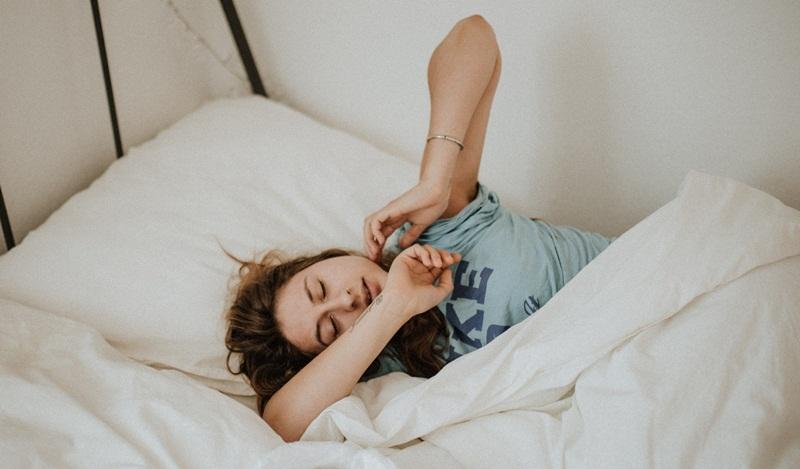 ชุดชั้นใน ยกทรง ใส่ชุดชั้นในนอน