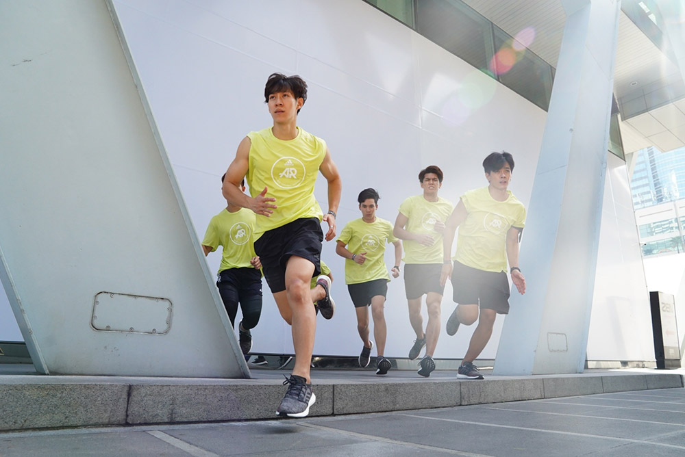 นักวิ่ง วิ่ง