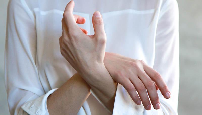 ข้อมือ ดูแล มือ รักษา สร้างสุขภาพดี