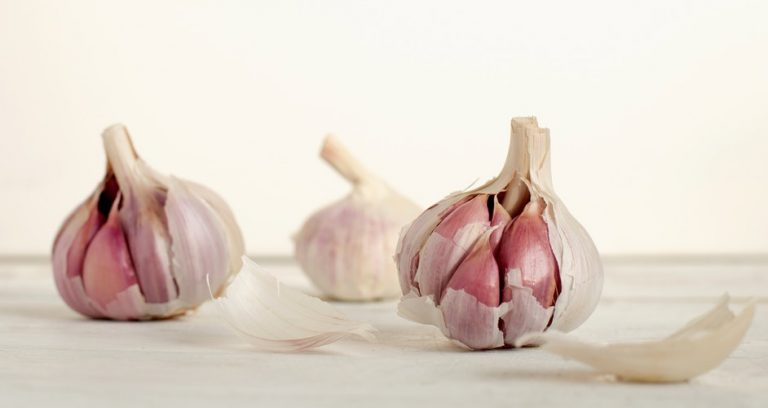 Good things to know: 5 Thai herbs to help cure hair loss Garlic-768x408