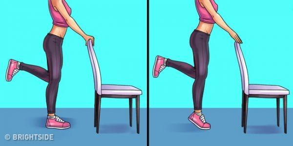 ท่านี้จะช่วยเพิ่มกล้ามเนื้อบริเวณข้อเท้าและหัวเข่า