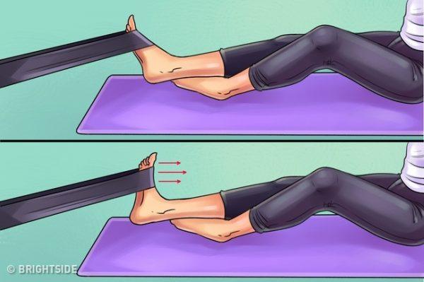 ท่านี้ช่วยบริหารกล้ามเนื้อน่อง ต้นขาด้านในและด้านนอก