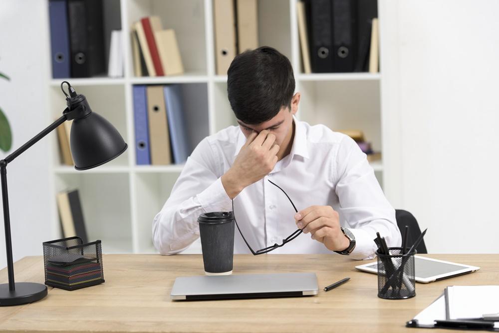 ระวัง ! นั่งทำงานเป็นเวลานาน เสี่ยงโรครุมเร้า ทำร้ายสมอง อ้วนลงพุง