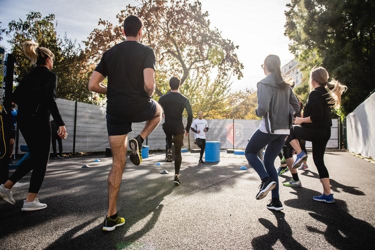 เคล็ดลับนักวิ่ง วิธีป้องกัน วิ่งแล้วเจ็บเข่า