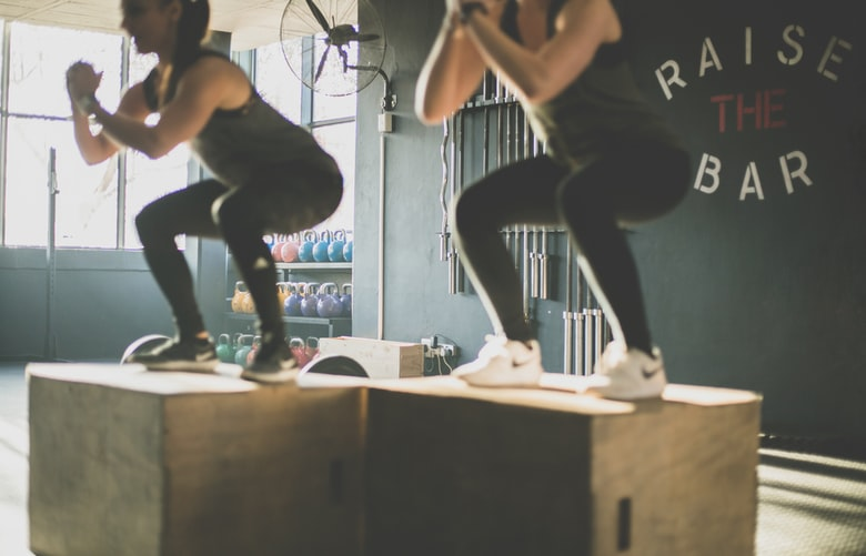 ท่าออกกำลังกาย ลดความอ้วน Squat
